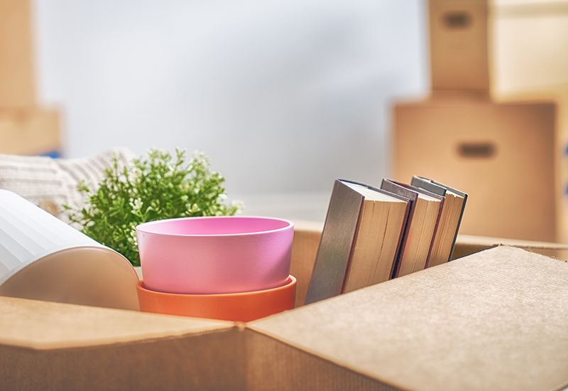 FLYTTE: Når du flytter ut kan det være lurt å lage en sjekkliste, slik at du har oversikt over alt som bør gjøres før du flytter inn i ny bolig.