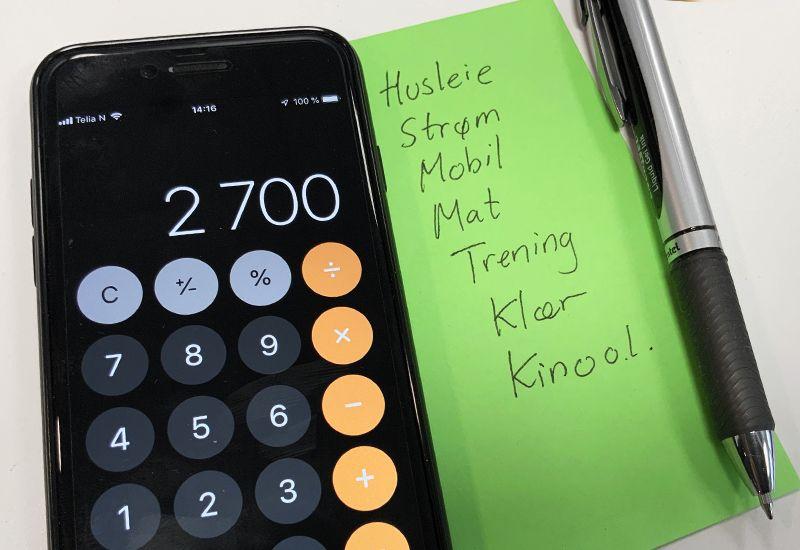 Kalkulator og budsjett (foto: ung.no)