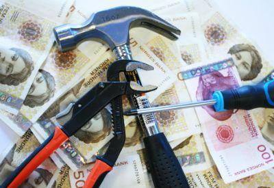 Penger og verktøy. (www.colourbox.com)