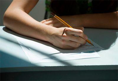 Prøve på skolen (colourbox.com)