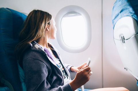Jente på fly (colourbox.com)