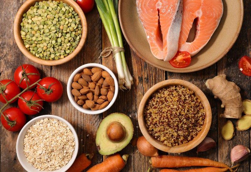 GODT: Et sunt og variert kosthold gir deg de næringsstoffene kroppen trenger og får deg til å føle deg bra. Foto: Colourbox