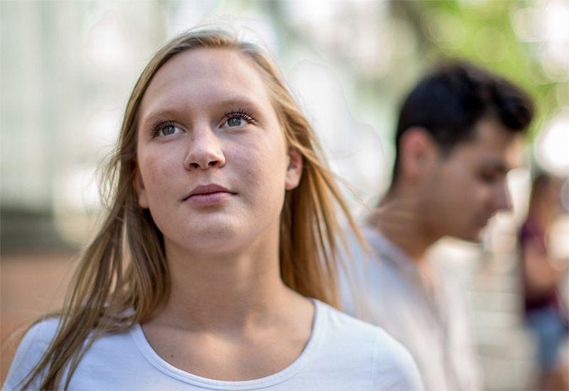 PRØV: Mange angrer på at de aldri turte å gå bort til jenta eller gutten de var forelska i. Kanskje får du avslag. Men hva så? Da kan du vite at du var tøff nok til å følge hjertet ditt, og gjøre et ærlig forsøk!