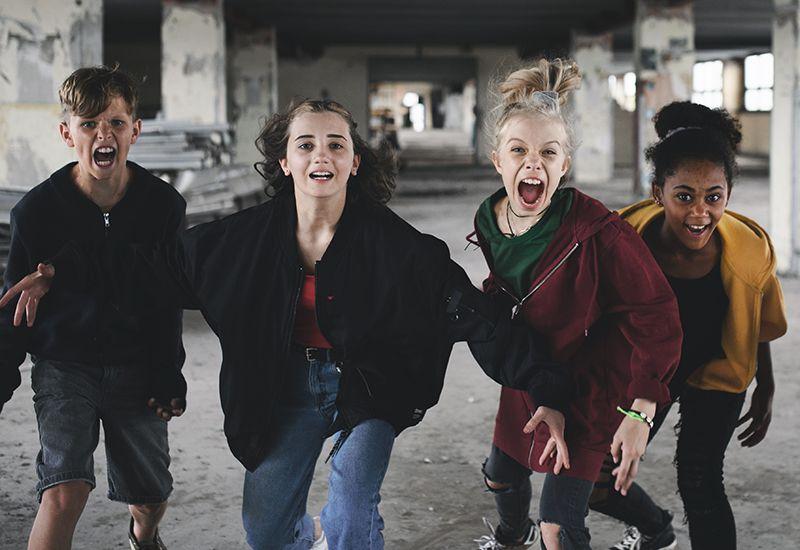 FORSKJELLER: Puberteten inntreffer på forskjellig tid og på forskjellig måte hos de forskjellige. Det skjer vanligvis litt tidligere hos jenter enn hos gutter. Det begynner et sted mellom 9 og 15 år. Foto: Colourbox
