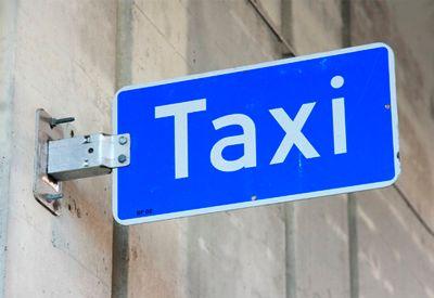 FÅ STØTTE: Har du spesielle behov kan du søke om støtte til transport. Foto: Colourbox.