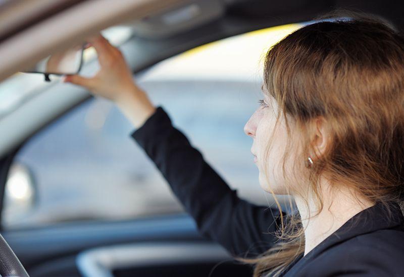 OBLIGATORISK: Alle som skal ta lappen, må gjennom fire trinn som skal gjøre deg klar til førerprøven og en trygg bilist. Foto: Colourbox