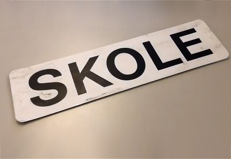Skolebil-skilt (foto: ung.no)