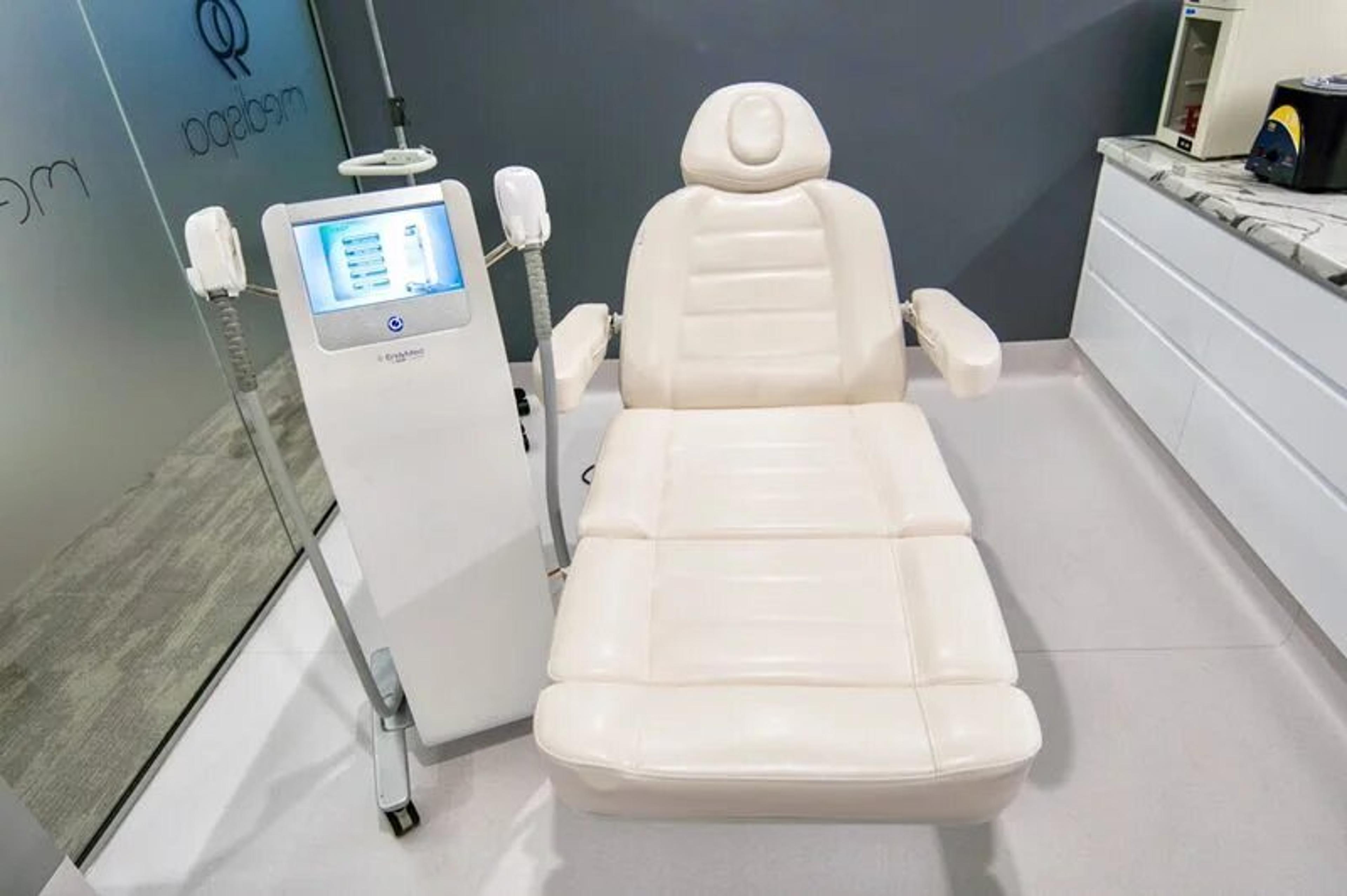 Endymed machine in 99 Medispa treatment room