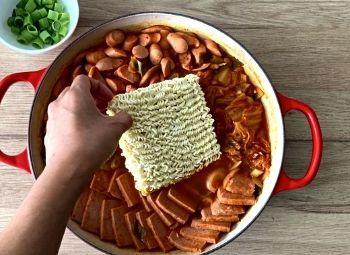 Budae Jjigae kochen