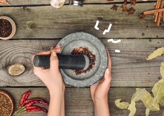 Ganze Gewürze und Gewürzmischung - Du kannst das authentische Thai-Curry von Grund auf neu erleben