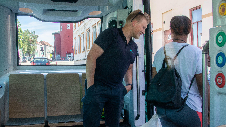 Innsiden av den selvkjørende bussen