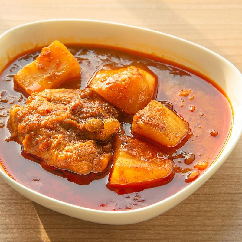 Flavourful Chicken Curry and Potato Meals