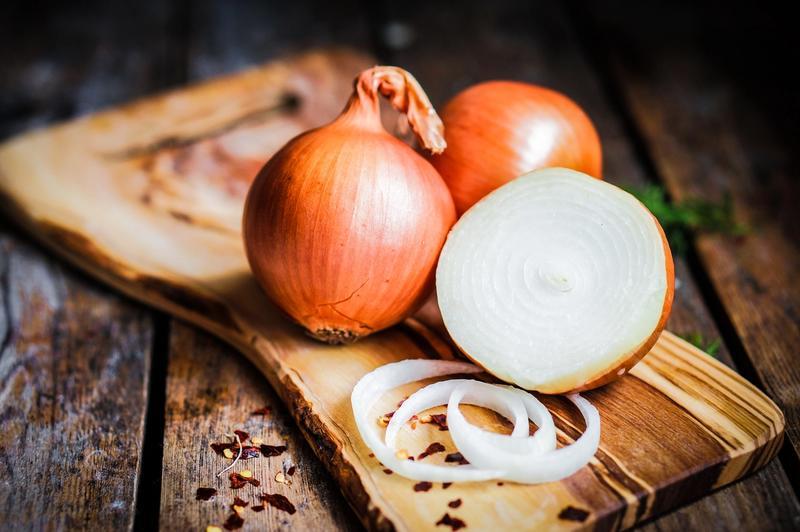 Como cortar cebola: veja tipos de cortes e dicas para não chorar