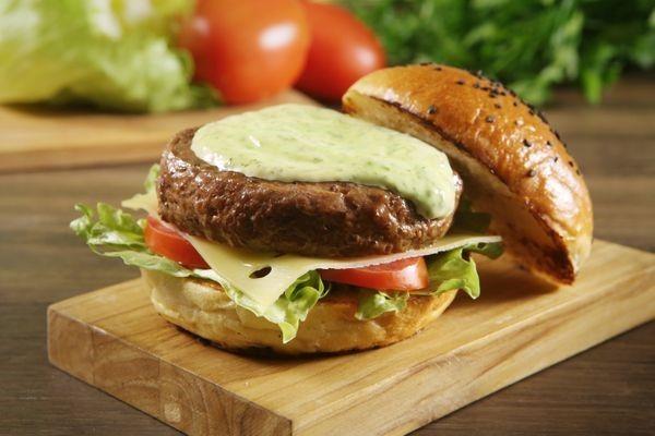 10 hambúrgueres (com e sem carne) usando o que você tem em casa