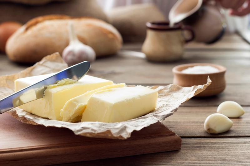 Qual a diferença entre manteiga e margarina?