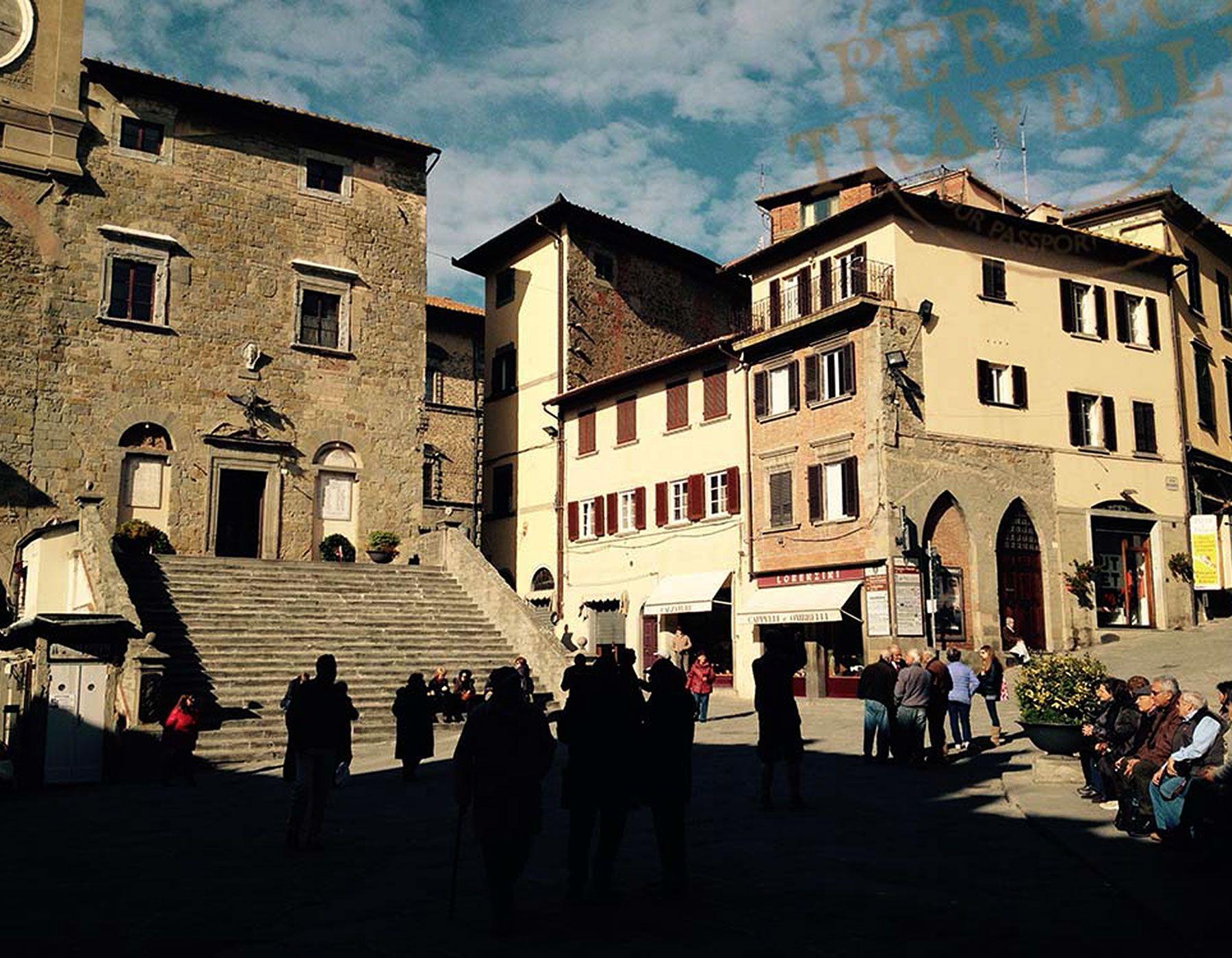 The 5pm gathering in Piazza della Repubblica in Cortona.