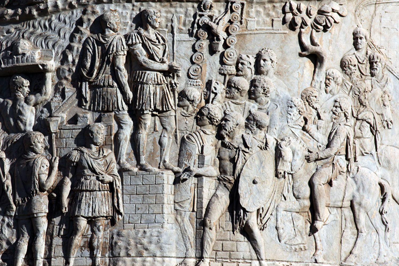 Scene XXV  on Trajans Column Trajan surveys a captured Dacian settlement