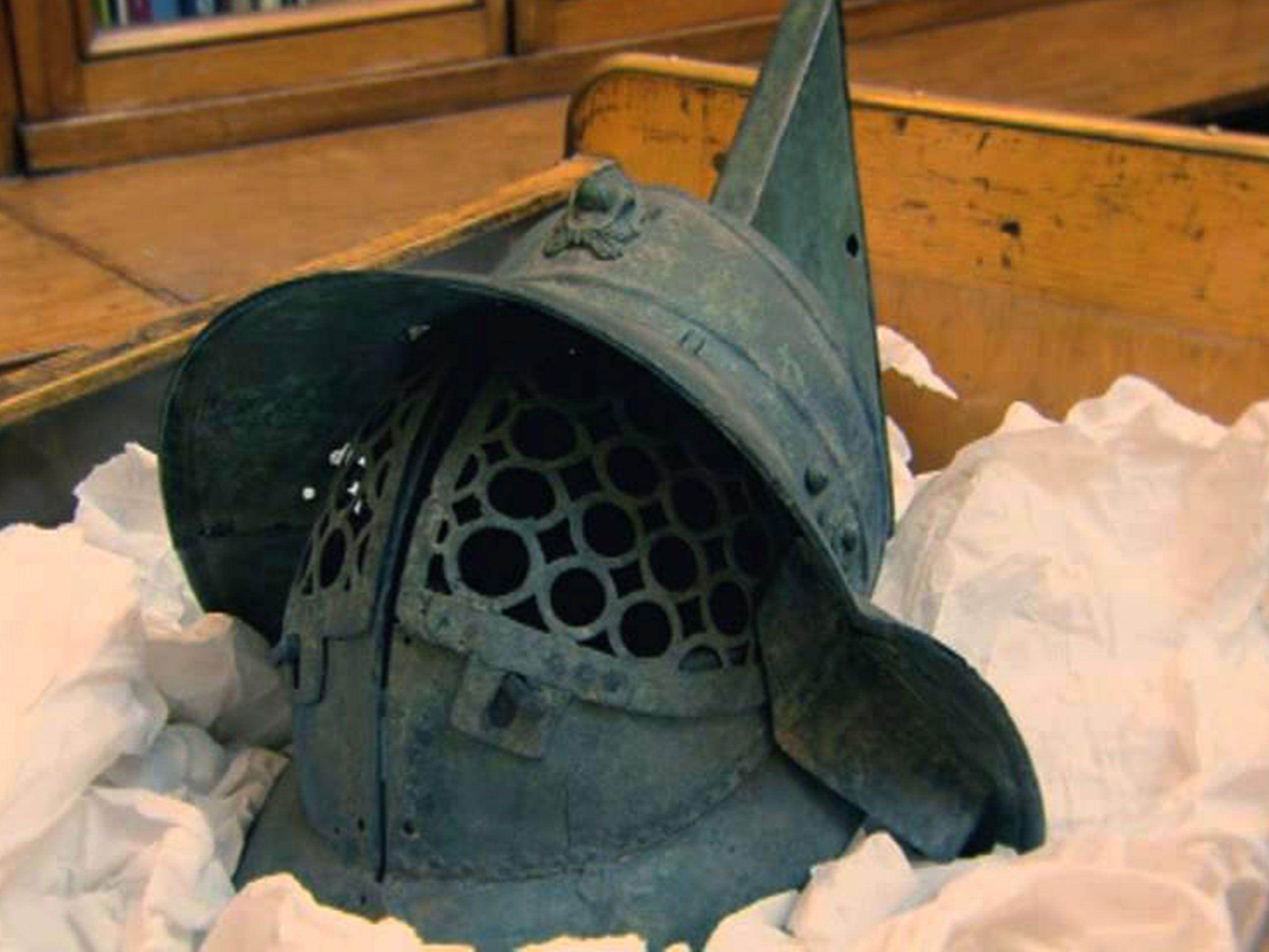 Thracian style bronze Roman gladiator's helmet