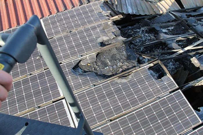 """Consequência do efeito """"Hotspot"""" no painel solar fotovoltaico (módulo fotovoltaico)"""