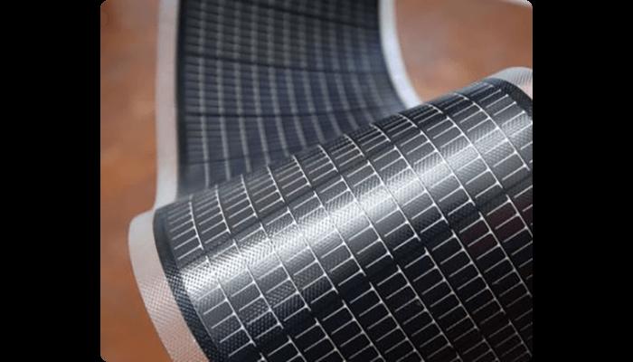 "Célula fotovoltaica de película fina ou ""thin film"""