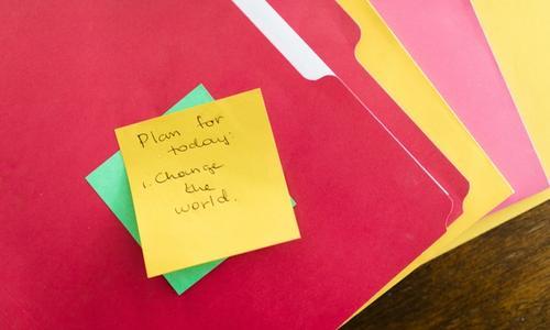 Bilde som viser en typisk notatlapp som gründere bruker mye av for å holde orden på sakene sine.