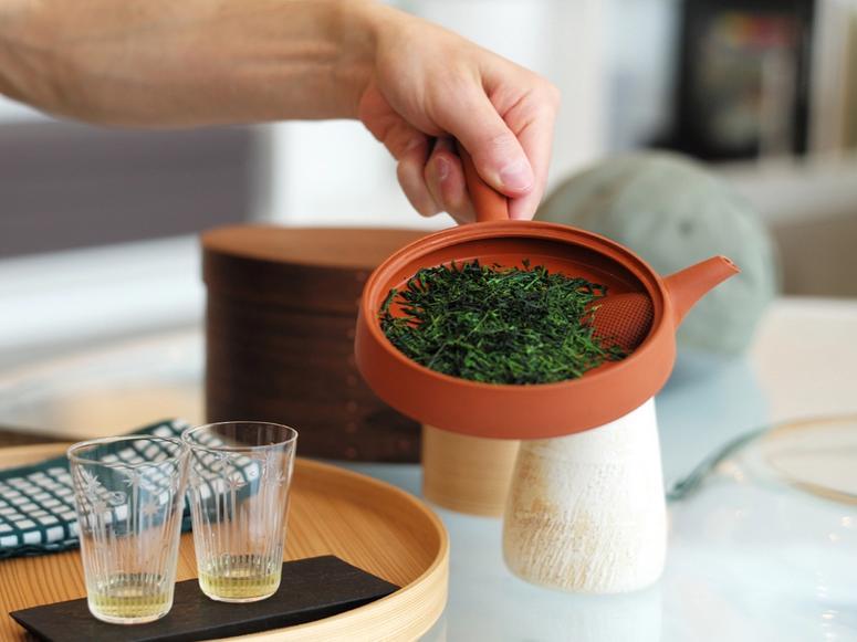 Gyokuro tea in a small red teapot.