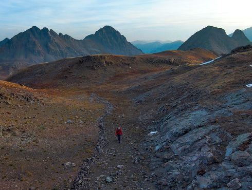 Skydio 2 hiking