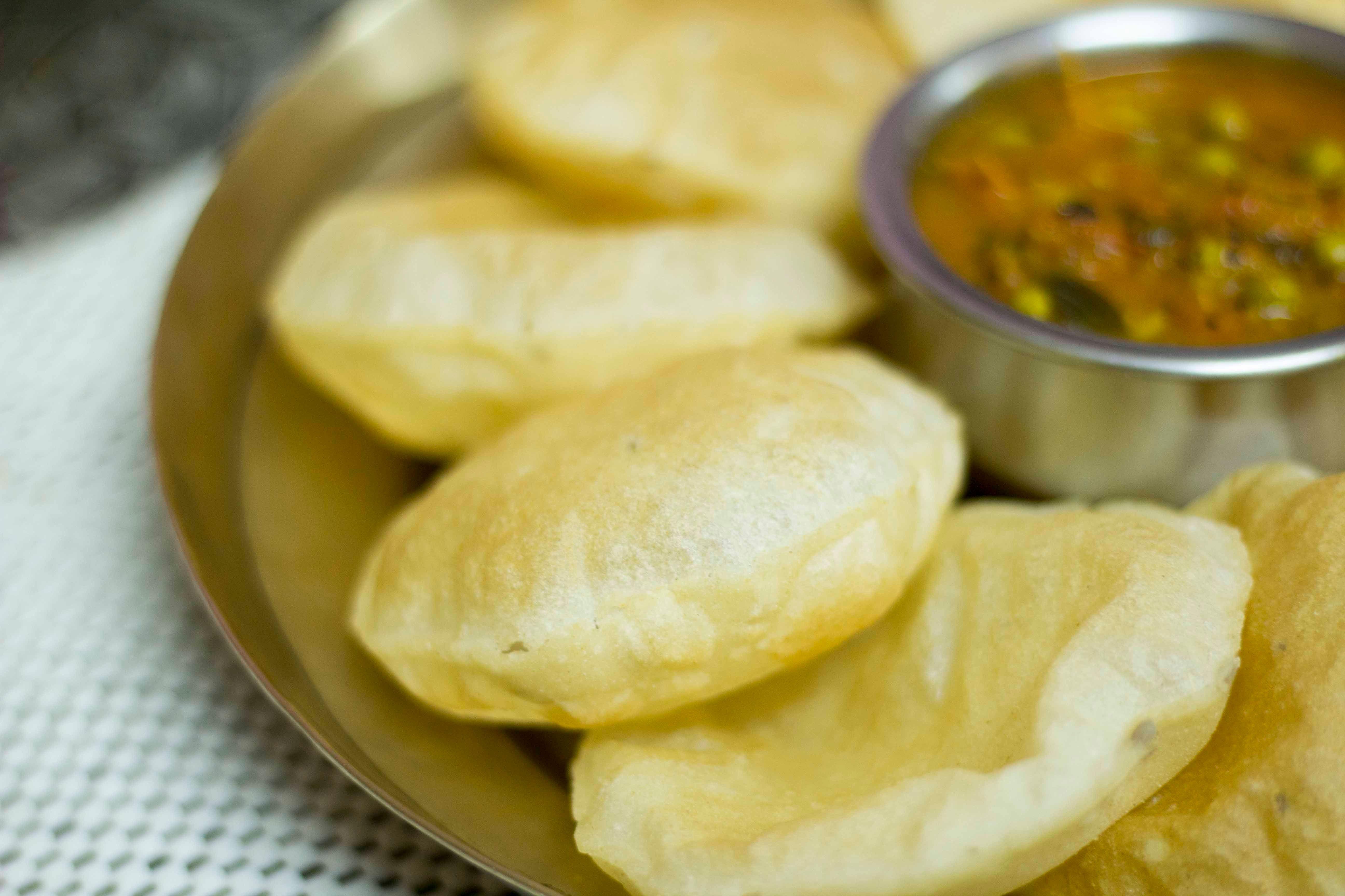 Chausela : A Chhattisgarhi Delicacy: Chawal Ki Poori