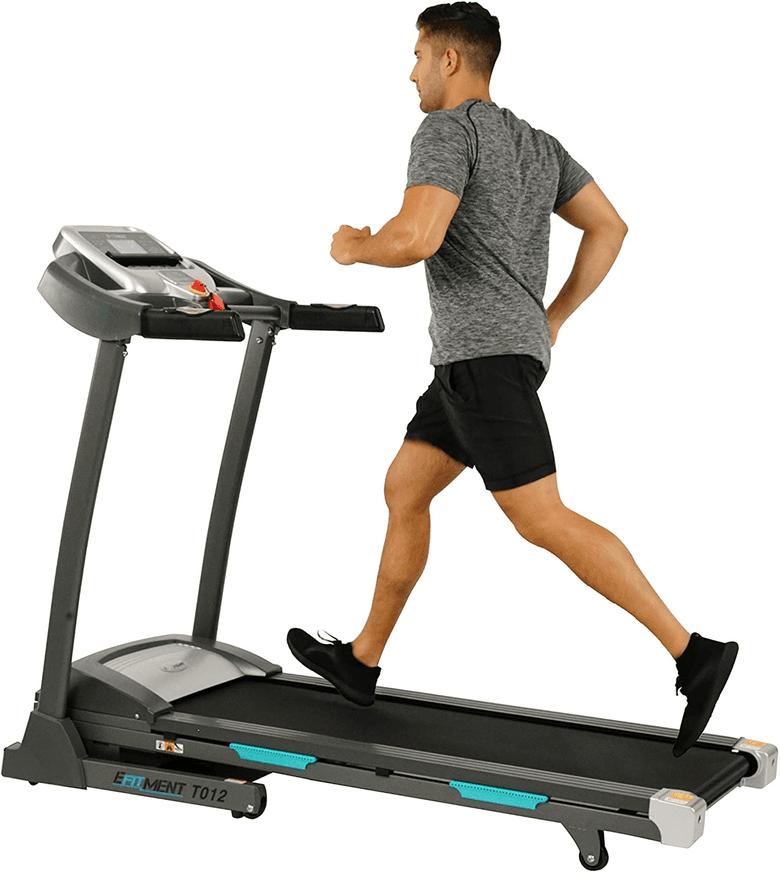 Man running on treadmill made by Efitment