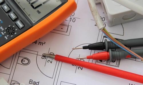 Bilde viser instrumenter som installatører bruker