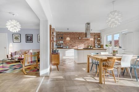 Solgte leiligheten i Oslo selv - fikk 350 000 kr over takst
