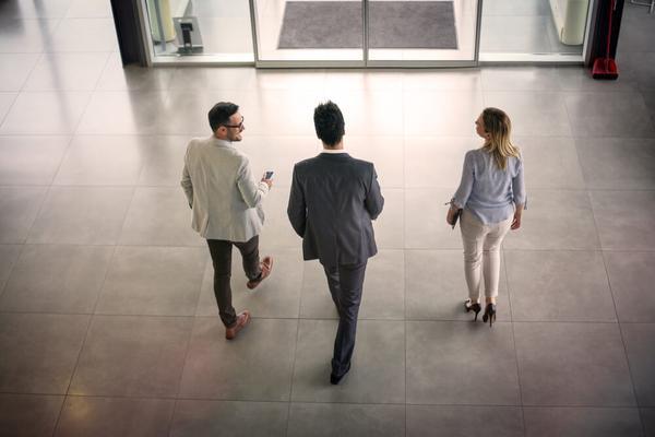 3 financial advisors walking in melbourne