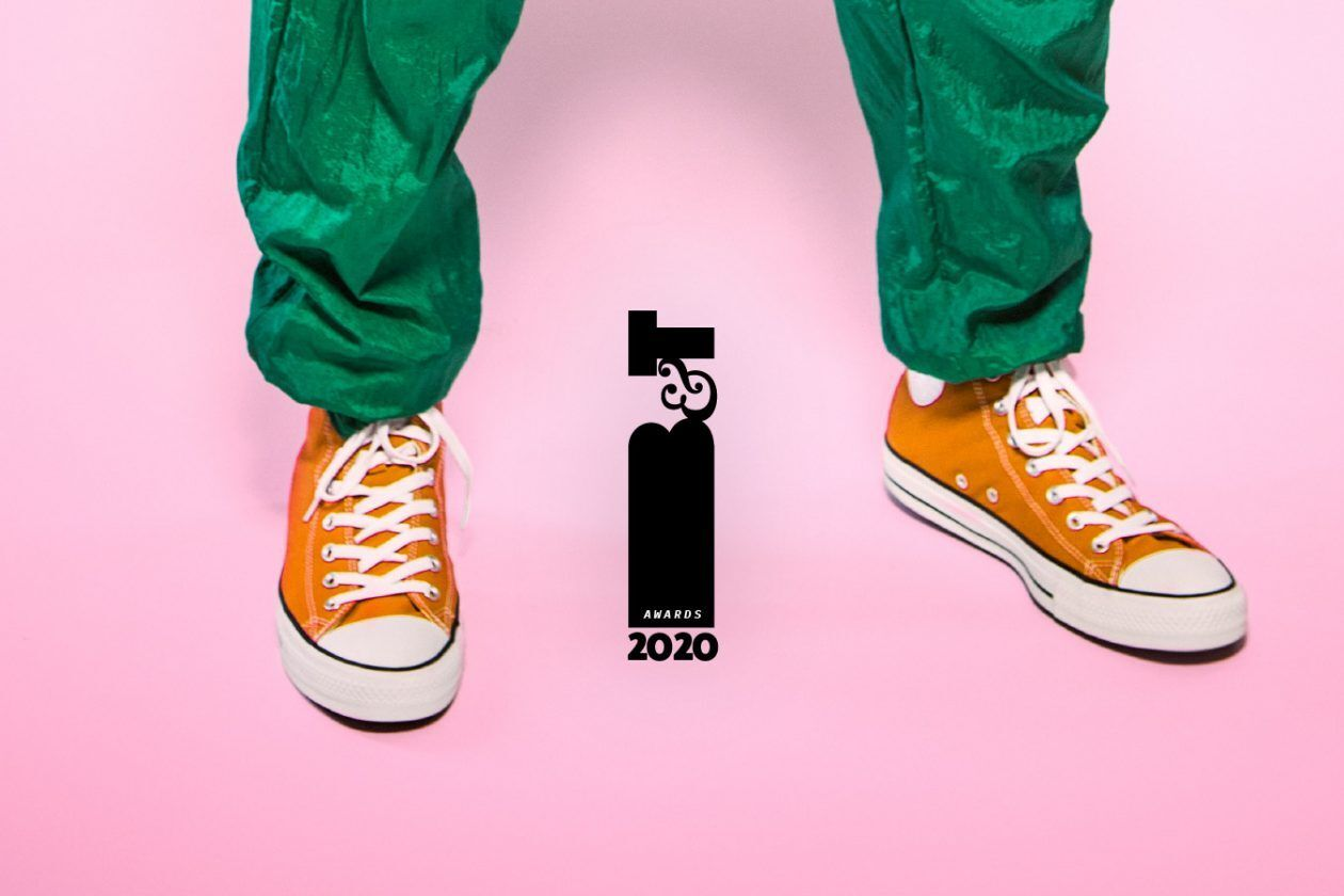 B&T award logo on a pink background