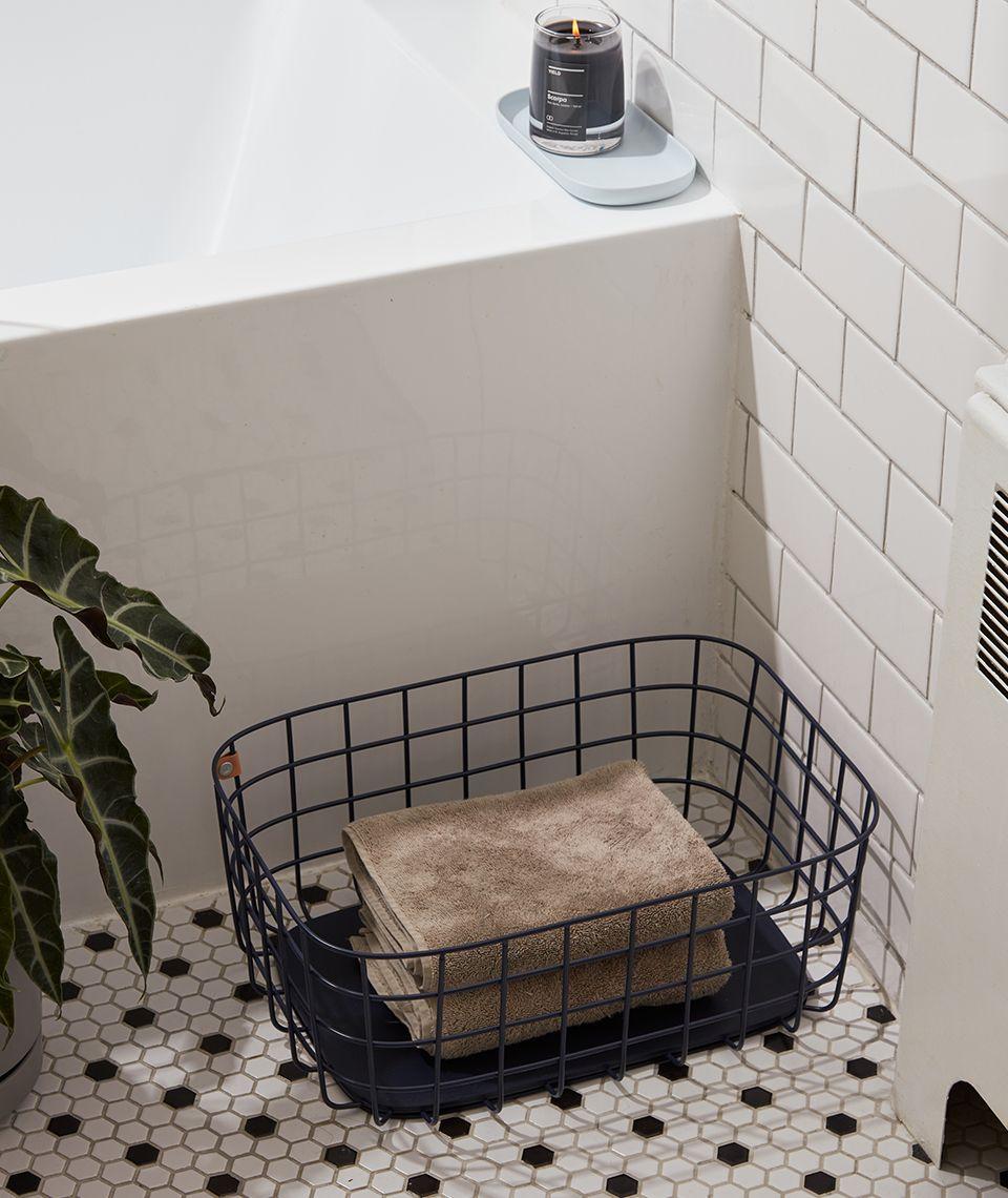 5050 Card - Refreshing Bathroom - Large Baskets - Desktop Image