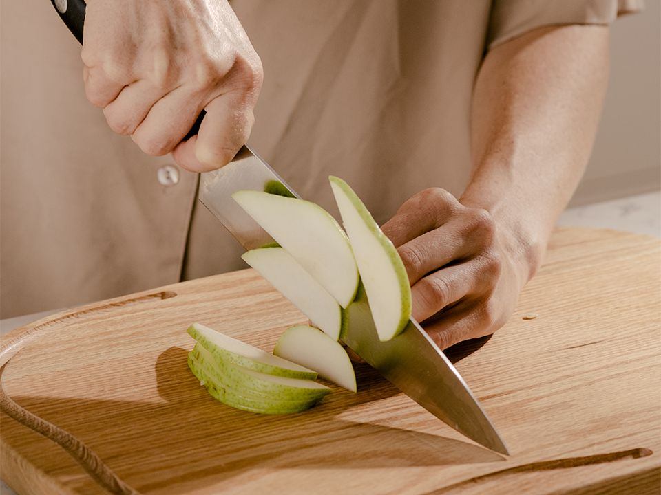 5050 Card - Care & Use - Your Chef's Knife - Desktop Image