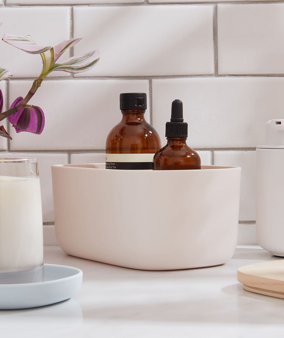 5050 Card - Refreshing Bathroom - Small Bins - Desktop Image