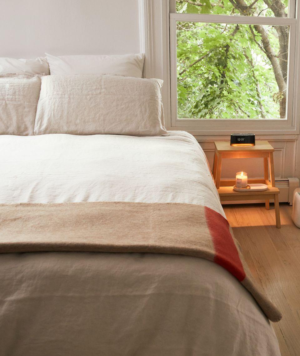 5050 Card - Calm Bedroom - Sijo Bedding - Desktop Image