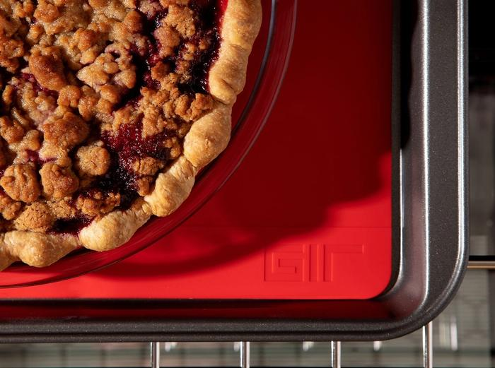 Hover Image for Baking Mat - Red / 9x12