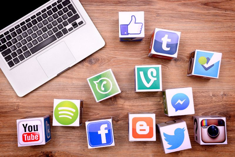 Social media is one way to create online training courses for an international audience