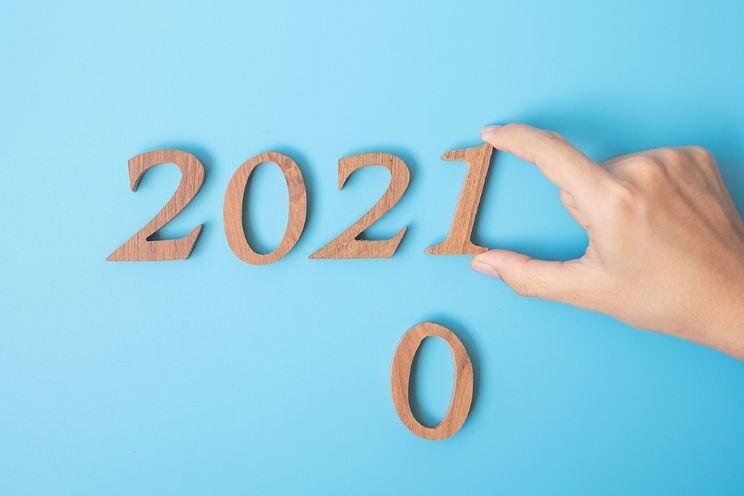 Tallet 2021 skåret ut i trebiter