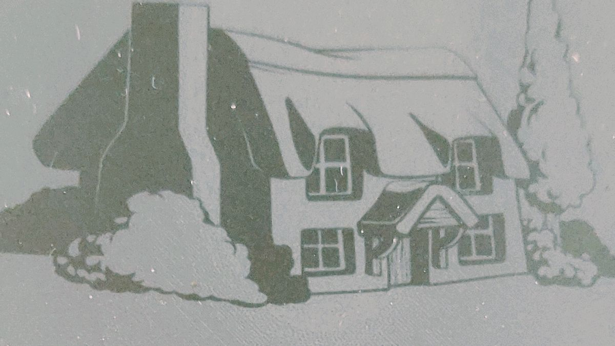 Cover detail by The Red House by A.A. Milne