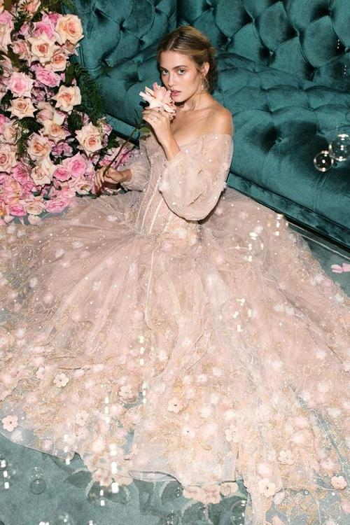 Editorial: 1985 wedding gowns