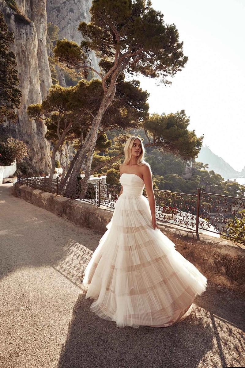 Chosen by One Day: La Bella Donna wedding dress gown italy