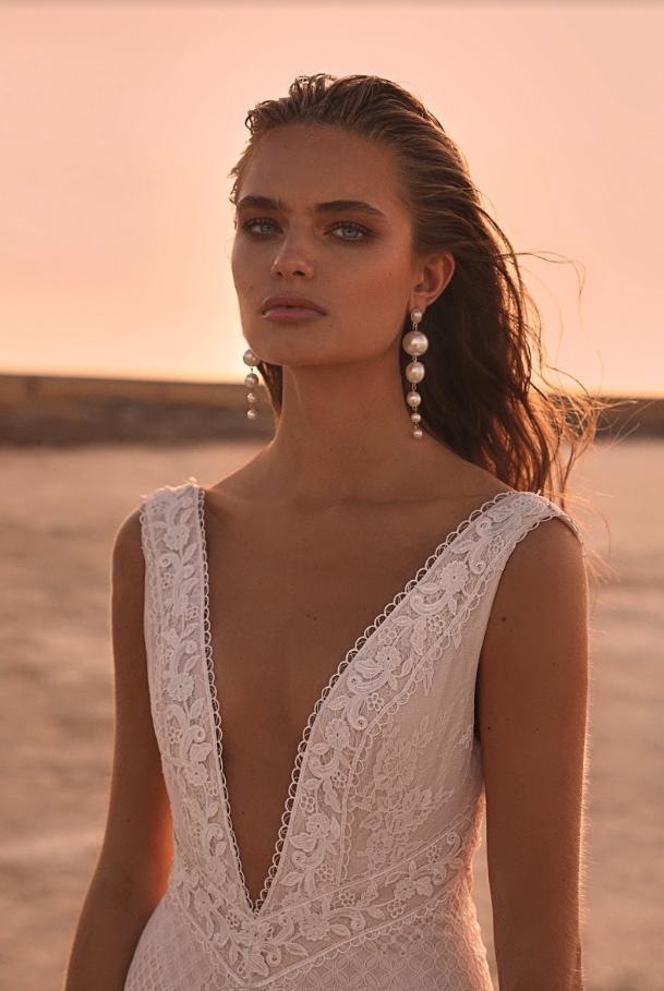 Editorial: Clair De Lune hillier one day bridal wedding dress lace
