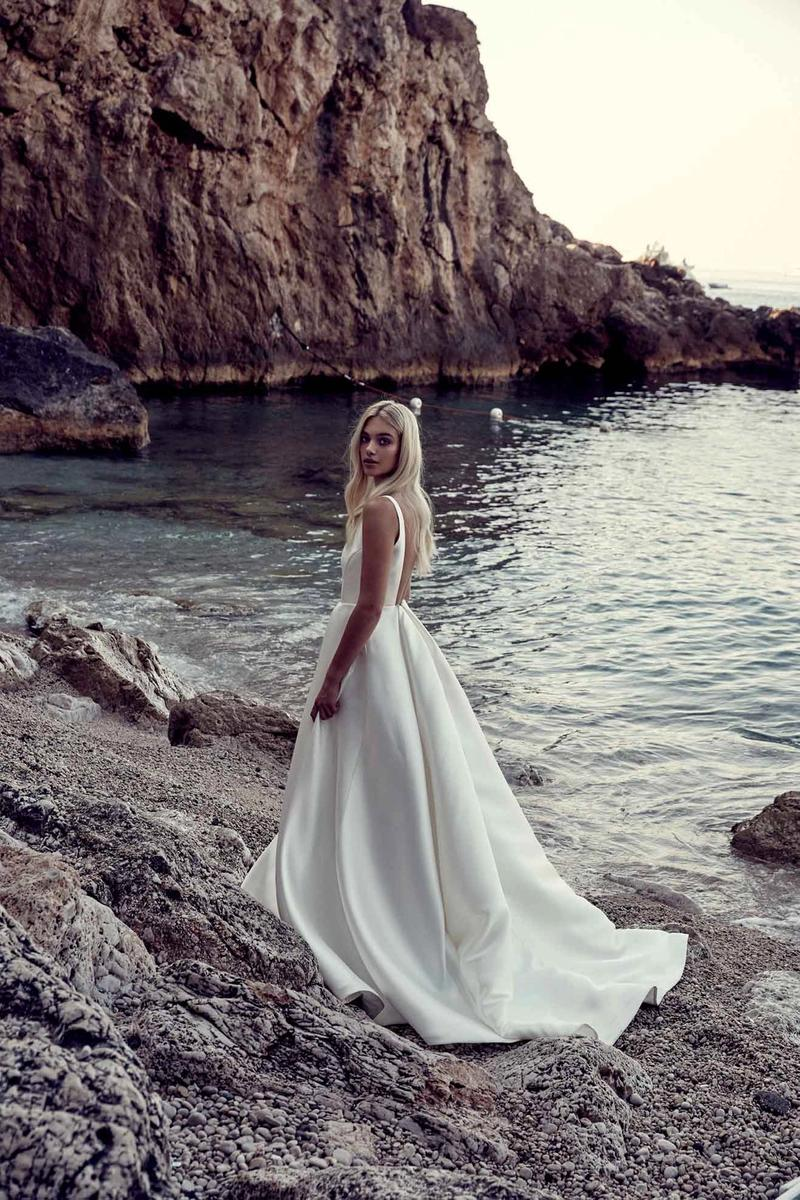 Chosen by One Day: La Bella Donna wedding dress gown italy remy
