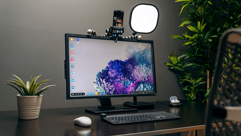 Work From Home 2020 Desk Setup! Ft. Samsung Galaxy S20