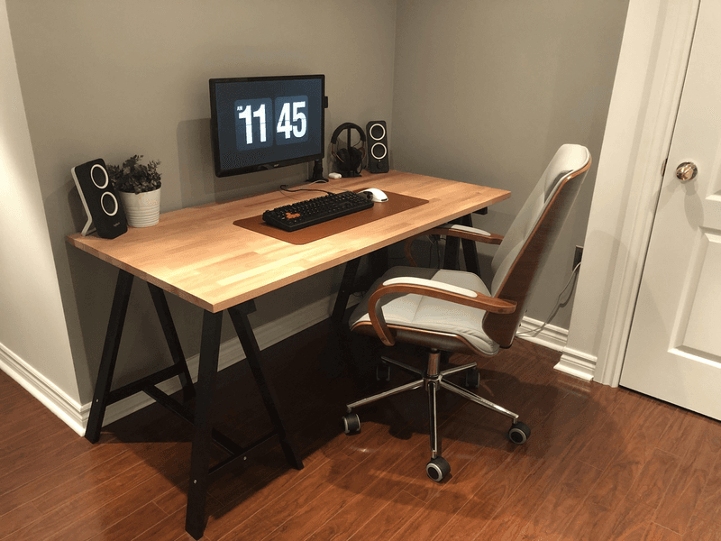 Minimalist desk setup with single monitor
