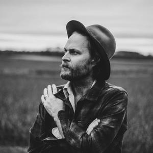 Photo of Americana artist hiss golden messenger