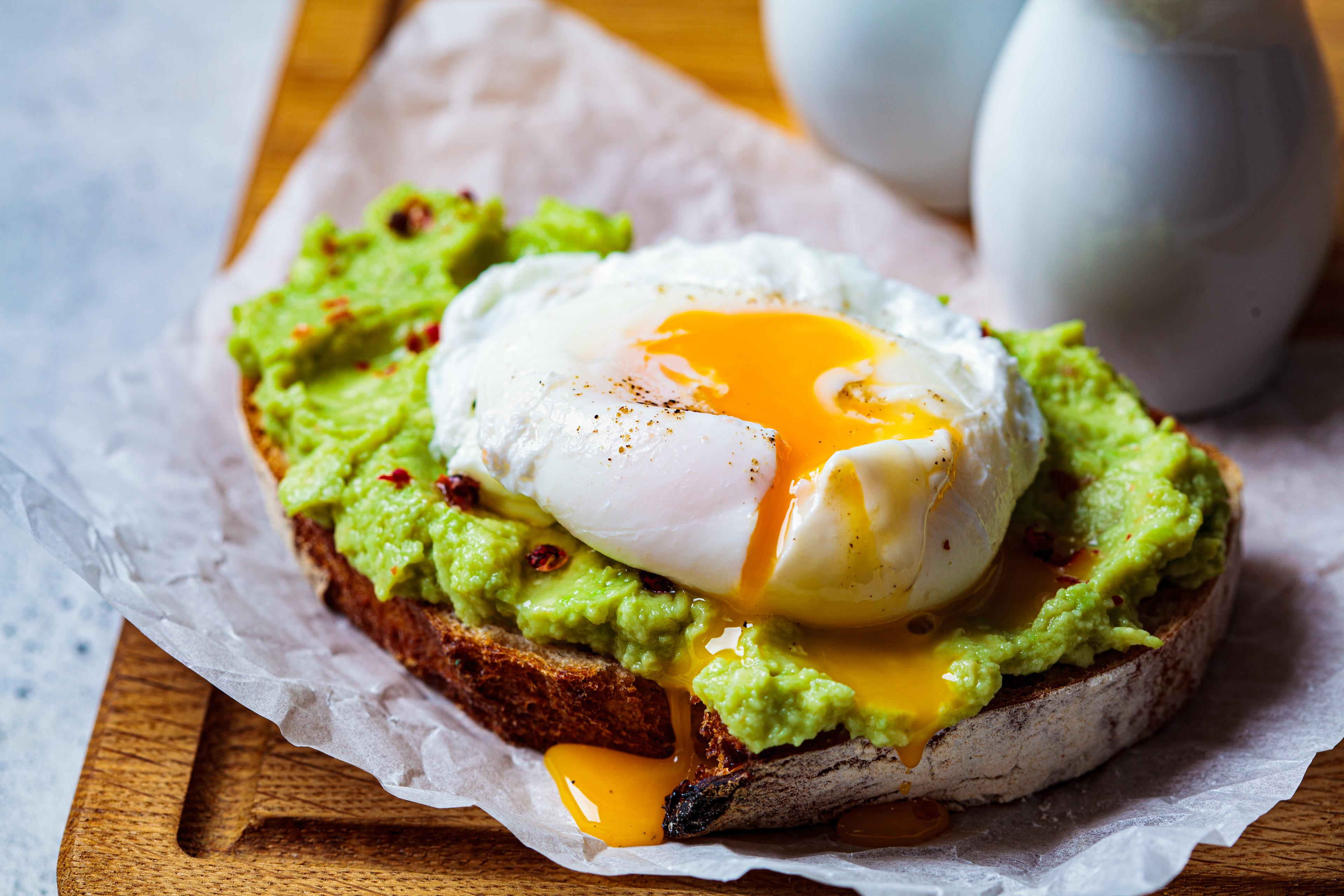 Tartine d'avocat et œuf mollet