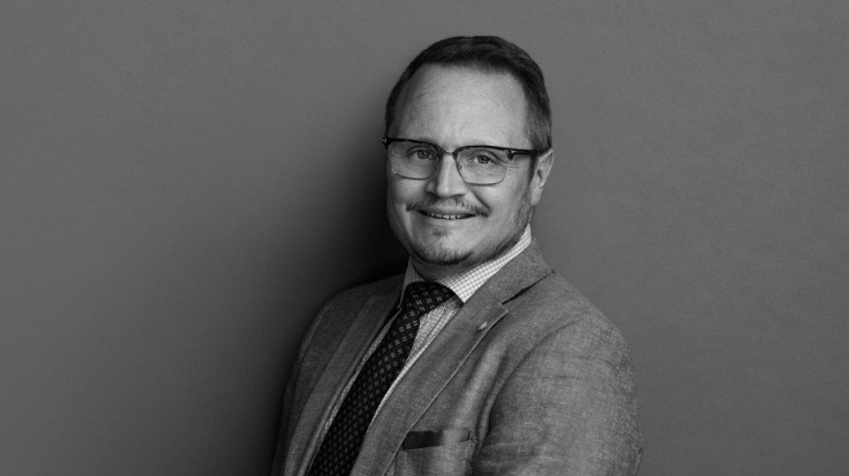 STHK-employee-image-per-boerjel
